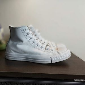 Converse Chuck Taylor All-Star HiTop White Leather